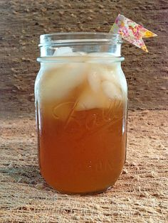 Honey Whiskey Iced Tea. 4 cups Lipton Lemon Iced Tea 2 cups Jack Daniel's Tennessee Honey Whiskey The juice of 6 lemons Combine the ingredients in your pitcher and serve on the rocks.