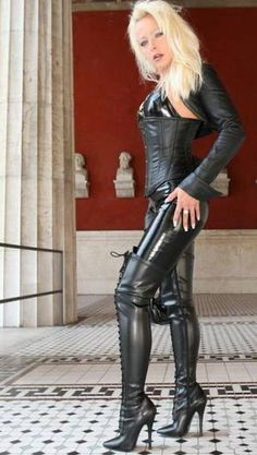 Lady Vanessa in a very Cool and drop dead sexy outfit! Sexy Outfits, Sexy Dresses, Fashion Outfits, Leather Corset, Leather Pants, Leather Catsuit, Black Leather, Leder Outfits, Dress Attire