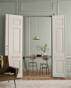 Identity : Jotun Lady new Color chart 2019 - Only Deco Love Green Dining Room, Living Room Green, Beautiful Interiors, Colorful Interiors, Scandinavian Interiors, Room Inspiration, Interior Inspiration, Trending Paint Colors, My New Room