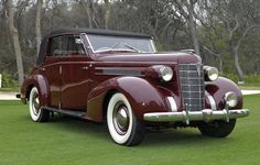 1937 Oldsmobile L-37 Eight