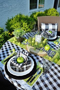 Celebrate the Partys Dining Delight: Green Apple & Buffalo Check Tablescape Latest Window Blind Shad Table Halloween, Plaid Decor, Fall Table, Table Arrangements, Deco Table, White Decor, Tablescapes, Table Settings, Place Settings