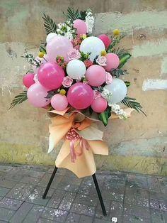 Large Flower Arrangements, Balloon Arrangements, Balloon Centerpieces, Balloon Decorations Party, Baby Shower Centerpieces, Masquerade Centerpieces, Wedding Centerpieces, Balloon Flowers, Paper Flowers Diy