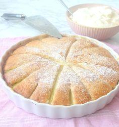 Rabarberkaka recept Desert Recipes, Raw Food Recipes, Baking Recipes, Cake Recipes, Desserts Menu, No Bake Desserts, Best Rhubarb Recipes, Drink Recipe Book, Swedish Recipes
