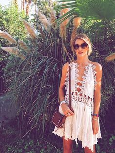 Rosie Huntington Whiteley - Coachella Street Style 2015