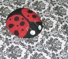 Rock painting is so much fun! Here's how to paint rocks, a fun craft for all ages! Easy Arts And Crafts, Crafts To Make, Kids Crafts, Rock Crafts, Cute Crafts, Stone Painting, Diy Painting, Ladybug Rocks, Rock Painting Patterns
