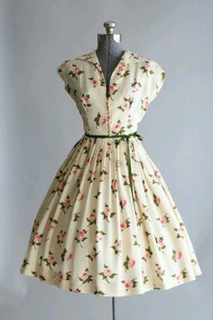 Vintage Outfits Vintage Fashion The Decade of Style The were dresses Vintage Outfits, Robes Vintage, Vintage 1950s Dresses, Vestidos Vintage, Retro Dress, 50s Vintage, 1950s Fashion Dresses, Vintage Clothing, Vintage Fashion 1950s