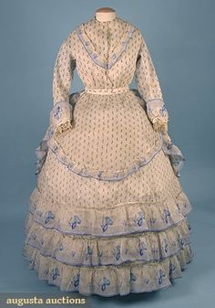 Printed Voile Summer Dress, Augusta Auctions, April 2006 Vintage Clothing & Textile Auction, Lot 778 I think more late Clothing And Textile, Antique Clothing, Historical Clothing, Victorian Era Fashion, Vintage Fashion, Victorian Ladies, Vintage Style, Vintage Gowns, Vintage Outfits