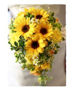 ひまわりのブーケ。 Diy Wedding Bouquet, Diy Wedding Flowers, Bride Bouquets, Floral Wedding, Crazy Wedding, Yellow Wedding, Yellow Bouquets, Floral Bouquets, Boho Wedding Decorations