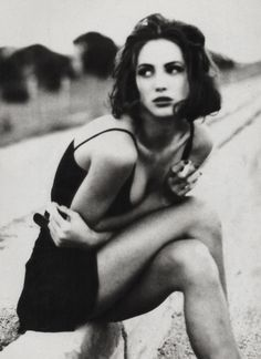 Christy Turlington in Vogue Italia, January 1990 ('Belladonna'). Photo: Ellen von Unwerth.