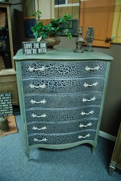 A board full of special finishes and techniques... http://pinterest.com/pattyhenning/furniture-finishes-i-m-creating/    http://fabulousfinishes.wordpress.com/2013/04/02/crackling-a-wall-leads-to-a-cracked-chest-of-drawers/