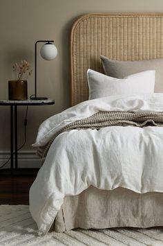 Bedroom Inspo, Home Bedroom, Master Bedroom, Bedroom Color Schemes, Bedroom Colors, Home Living, Apartment Living, Zen Home Decor, Pretty Room