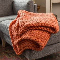 Your Lifestyle by Donna Sharp Chunky Knit Throw - Overstock - 21529411 Chunky Knit Throw, Chunky Blanket, Faux Fur Throw, Chunky Knits, Chunky Crochet, Knitted Blankets, Merino Wool Blanket, Throw Blankets, Coral Throw Blanket