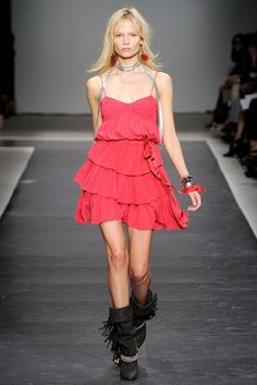 Isabel Marant Spring 2010 Ready-to-Wear Fashion Show Collection
