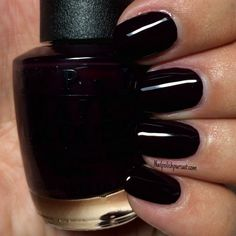 Classics: Lincoln Park After Dark by OPI - The Polished Pursuit Diy Nails Manicure, Opi Gel Nails, Diva Nails, Manicures, Dark Nail Polish, Nail Polish Colors, All Things Beauty, Girly Things, Beauty Tips