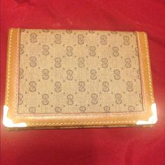 Authentic Gucci Card Holder/Wallet Authentic Gucci Card Holder/Wallet in great condition . Very handy! Needs a new home  Gucci Accessories Key & Card Holders