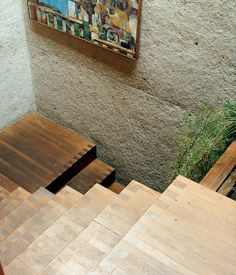 rail-free stairs in Los Angeles architect Ray Kappe's multi-level house   João Canziani