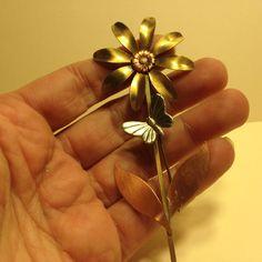 Vintage Estate 3 Tone BUTTERFLY on DAISY FLOWER BROOCH Pin Costume Jewelry