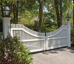 Chestnut Hill Concave Drive Gate | Entrance Gates, Wood Gates, and more from Walpole Woodworkers