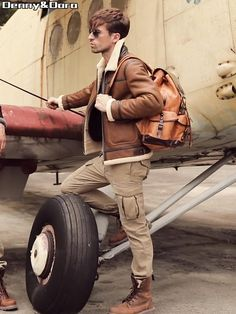 Aviator Jacket Mens, Aviator Jackets, Mens Shearling Jacket, Mens Fur, Military Men, Military Fashion, Fur Goods, Leather Bag, Leather Jacket