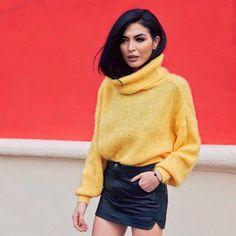 "729 mentions J'aime, 96 commentaires - دامي   Damy (@gamine__de__paris) sur Instagram: ""Find inspiration in colorful places  #streetstyle #bloggerlife #lifeblogger""  #yellow #style #jaune"