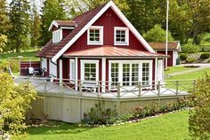 New England Hus, Swedish Cottage, Sweden House, Charming House, Small Places, Tiny House Plans, Home Fashion, Exterior Design, Style At Home