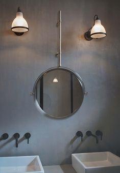 Bad-Gelenkwandleuchte LAMPE GRAS BATHROOM 304 mit matt-opalem Polycarbonat-Schirm, der das Licht in auf angenehme Art blendfrei streut