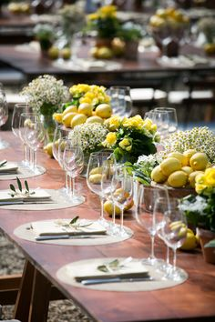 #Floraliadecor #Susanmariani #TuscanFlowers #Shabby #Lemons #Herbs #WoodTable #TuscanStyle #Rustic