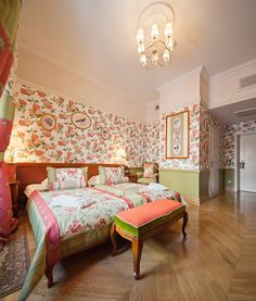 DeLuxe Room no. 304  Book now on: http://www.palacbonerowski.com/accomodation-page-73162  #krakow #travel #thebonerowskipalace #historichotelsofeurope #boutique #object #poland #luxury #VIP #cracow #accomodation.  Best for luxury and romantic stay in the Krakow city centre.
