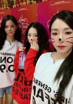 SNSD : Holiday To Remember 10 Th Anniversary  Tiffany ' s Instagram Story  Tiffany 티파니, TaeYeon 김태연, Yoona 임윤아