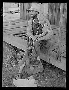 Ozark Mountain farmer. Missouri Grapes Of Wrath, Dust Bowl, Character Poses, Vintage Farm, Teaching History, Mountain Man, Black And White Pictures, The Good Old Days, Vintage Photographs