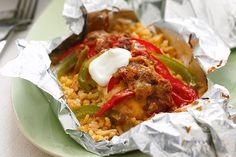 Foil-Pack Chicken Fajita Dinner recipe: Combine chicken breasts, peppers, salsa and more for an easy chicken fajita dinner. This Foil-Pack Chicken Fajita Dinner is easy on the cleanup crew. Kraft Recipes, Kraft Foods, Mexican Food Recipes, Dinner Recipes, Dinner Ideas, Dinner Dishes, Foil Pack Dinners, Chicken Fajitas, Steak Fajitas