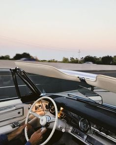 Nothing quite like the feeling of cruisin the Sund. - Nothing quite like the feeling of cruisin the Sund. Nothing quite like the feeling of cruisin the Sund. Auto Retro, Retro Cars, Vintage Cars, Addison Montgomery, Nissan Gt R, Audi A7, Cute Cars, Fancy Cars, Retro Aesthetic