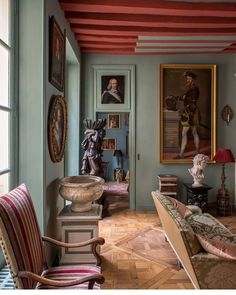 I love the parquet floor in this Parisian apartment spotted Thank you to them for the gorgeous post! Living Room Paint, Living Room Decor, E Design, Interior Design, Doors And Floors, English Interior, World Decor, Parisian Apartment, Old World Style