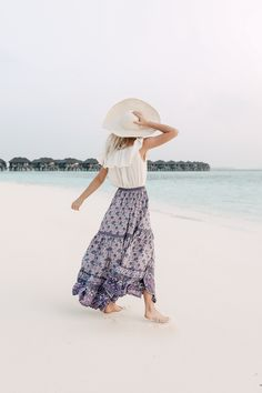 TOP – Urban Outfitters | SKIRT – Free People | HAT – Urban Outfitters (similar) How amazing is this beach villa!! We stayed at the Sun Siyam Resort for…