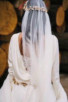 Carmen Soto The Bride | Atelier de vestidos de novia | La espalda de un vestido de novia | http://www.carmensotothebride.com
