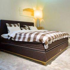 Viver a cama como jamais sonhou, Viver na cama como nunca imaginou.
