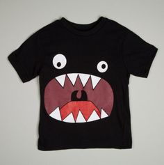 Monstre affamé sur T-Shirt / Hungry Monster T-Shirt - Little Boys' Tees Sewing For Kids, Diy For Kids, Cool Kids, Diy Mode, Kids Wear, Diy Clothes, Boy Fashion, Kids Shirts, Boy Outfits