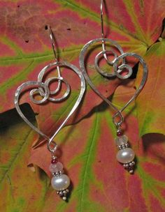 Woven Wire Jewelry and Other Creative Endeavors: Hammered Hearts Earrings