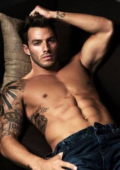 Hope these dark-haired hotties make your hump day brighter. I wonder if Melanie from Try Me and Tell Me would freak out sitting next to this guy on an airplane. Hot Men, Hot Guys, Sexy Tattoos, Tattoos For Guys, Tatoos, Tattoo Guys, Tattoo Life, Inked Men, Inked Guys