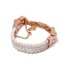 Pulseira com fecho magnético, metais de banho ouro rosê, corrente com fecho de segurança e fios de contas de quartzo branco