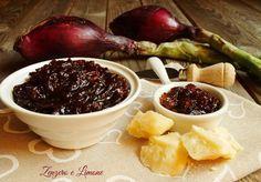 La composta di cipolle di Tropea si sposa benissimo con i formaggi ed è molto semplice da preparare. Una ricetta da annotare sicuramente.