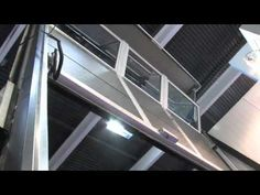 La #puertaseccional apilable Compact de #Angelmir se distingue de las demás por su sistema de elevación y almacenamiento de paneles. Sus hojas se abren verticalmente y las secciones individuales se apilan en el dintel ocupando un espacio muy reducido. Sus paneles son de aluminio y es de uso intensivo. Consume poca energía, tiene un extenso ciclo de vida y un mantenimiento mínimo. De movimiento suave y silencioso #puertasseccionales #sectionaldoor Stairs, Home Decor, Doors, Life Cycles, Storage, Leaves, Space, Stairway, Decoration Home
