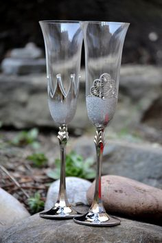 Champagne flutes, King and Queen crown Glasses, Bride Groom Glass, Silver Wedding Flutes, Toasting Glasses, Mr and Mrs Wedding Glasses by PolinikaGlass on Etsy