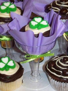 Check out these beautiful Irish cream cocktail cupcakes. What a way to celebrate St Patrick's Day.