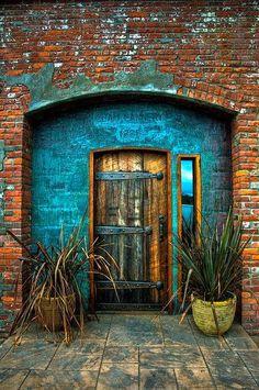 caractériELLE: Brik & porte ou brique & door