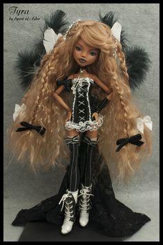 Tyra OOAK Monster High Custom Clawdeen Repaint Outfit by `Spirit of Askir´ | eBay monsterhigh ooak, monster high