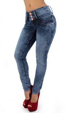 Mineral Wash Skinny Jean #womenskinnyjeans #denimlovers #maripilyskinnyjeans