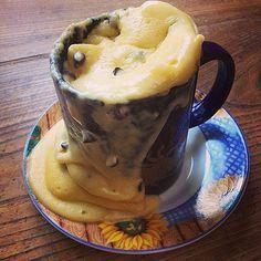 Cette fois c'est la recette du mug cake au yaourt et aux pépites de chocolat au micro-ondes que l'on nous réclame.