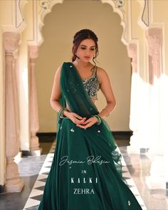 Woahhh... Jasmin Bhasin2806 is just looking enthral in our Zehra Collection. Don't you agree? The emerald green Lehenga with an embellished bustier looks lush & feels plush. 💖 Green Lehenga, Lehenga Choli, Indian Outfits, Aesthetic Clothes, Indian Fashion, Designer Dresses, Emerald Green, Clothes For Women, Formal Dresses