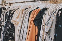 Clothes can be expensive even with the rise of fast-fashion. Here are some of the best places to find free clothes online. Fast Fashion, Fashion Moda, Slow Fashion, Ethical Fashion, Fashion Brands, Gents Fashion, Ethical Clothing, Fashion Styles, Style Fashion